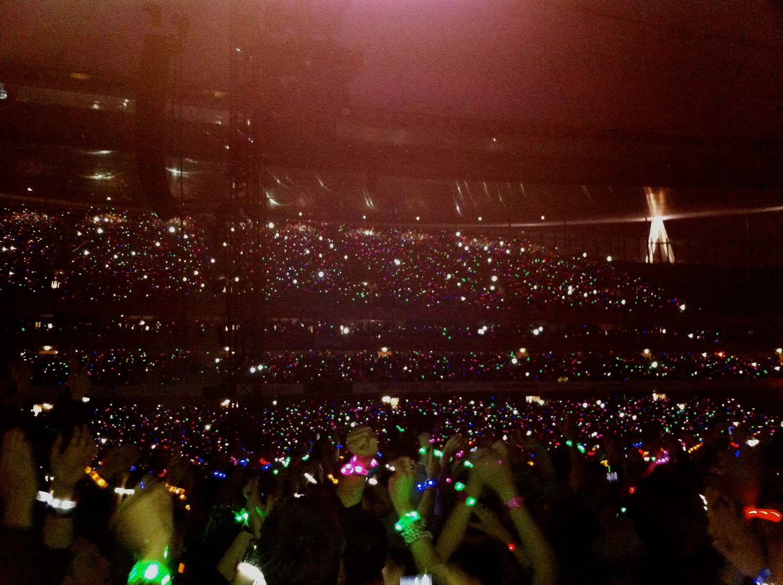 Coldplay's wristband lights