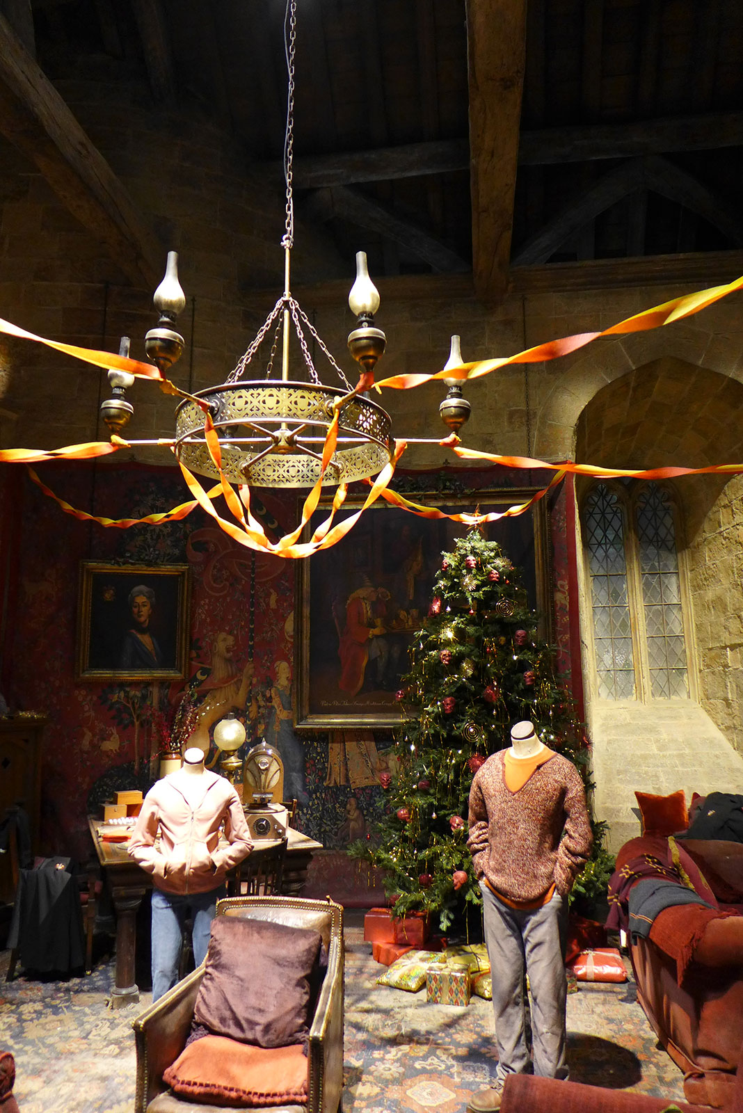 Gryffindor christmas common room